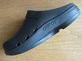 脚にいい、疲れない立ち仕事用シューズ(サンダル)を探したら、「ウーフォス」(OOFOS)にたどり着いた!